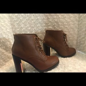 Sexy brown torrid faux leather ankle boots 10 W